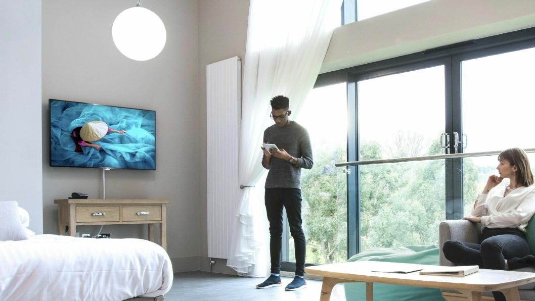 FULL KONTROLL: Philips Professional TV gir både hotell og gjester en ny og bedre TV-hverdag