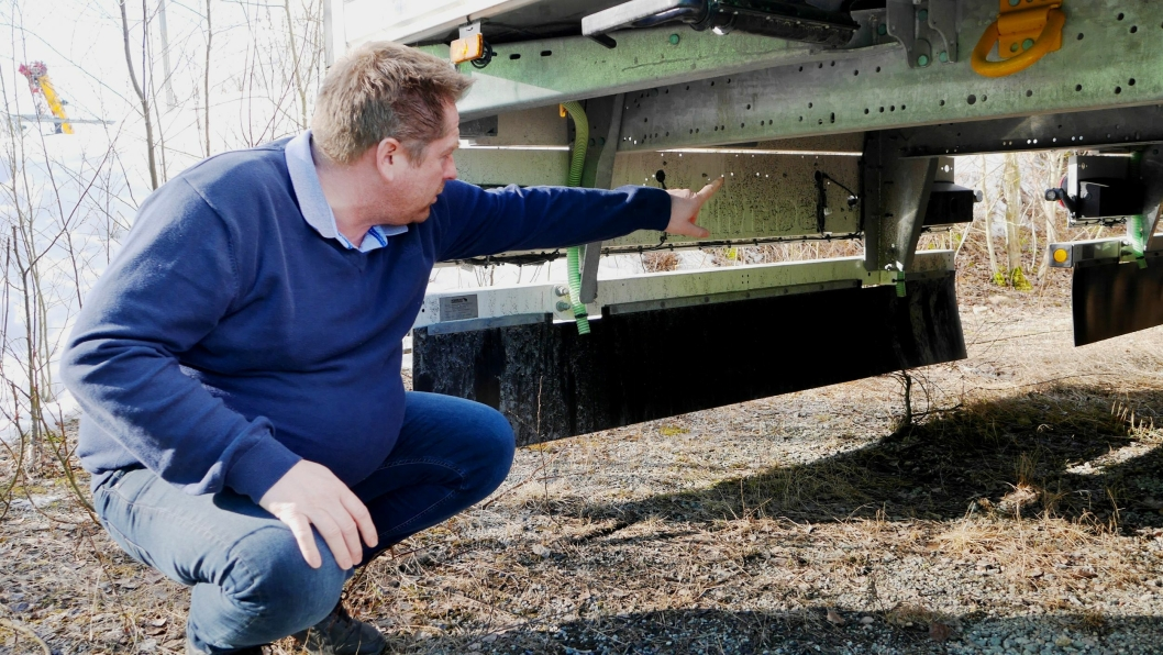 Den lille tracker-boksen kan nær sagt plasseres hvor som helst, ifølge Morten Henriksen i TIP Trailer Services.