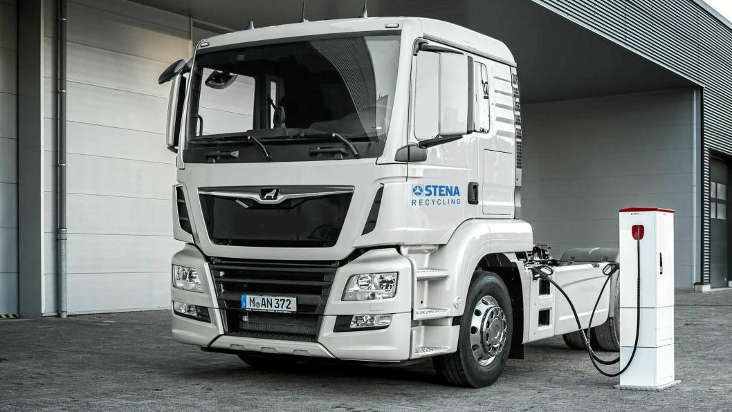 Emoss i Moss: Stena Recycling skal kjøre med to Emoss-biler med tillatt 50 tonn totalvekt mellom Moss og Oslo fra våren 2018.