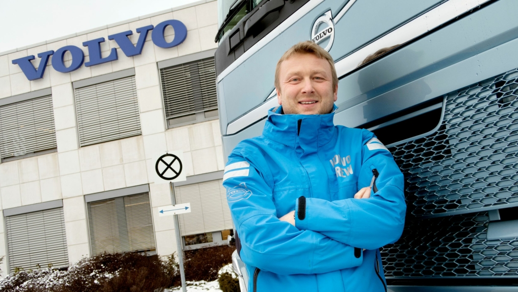 TRONER: Volvo-sjef Waldemar André Christensen smiler bredt etter to år som bestselger i Norge.
