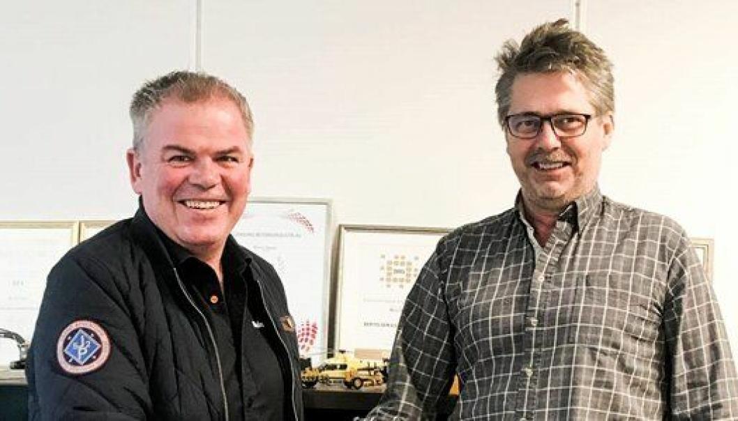Forretningsutvikler Jone Ølberg i Naboen (t.v.) og daglig leder i Bertelsen & Garpestad, Øyvind Langemyr. Foto: Naboen AS