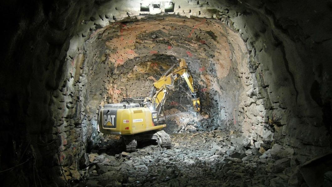 Società Italiana Condotte har kontrakter for underbygningsarbeider mellom Oslo S og Ekebergåsen samt bygging av tunnel under Middelalderparken til to milliarder kroner. I tillegg har selskapet kontrakt på tunnelarbeid fra Mosseveien og 1200 meter inn i Ekebergåsen, 1,3 milliarder kroner.