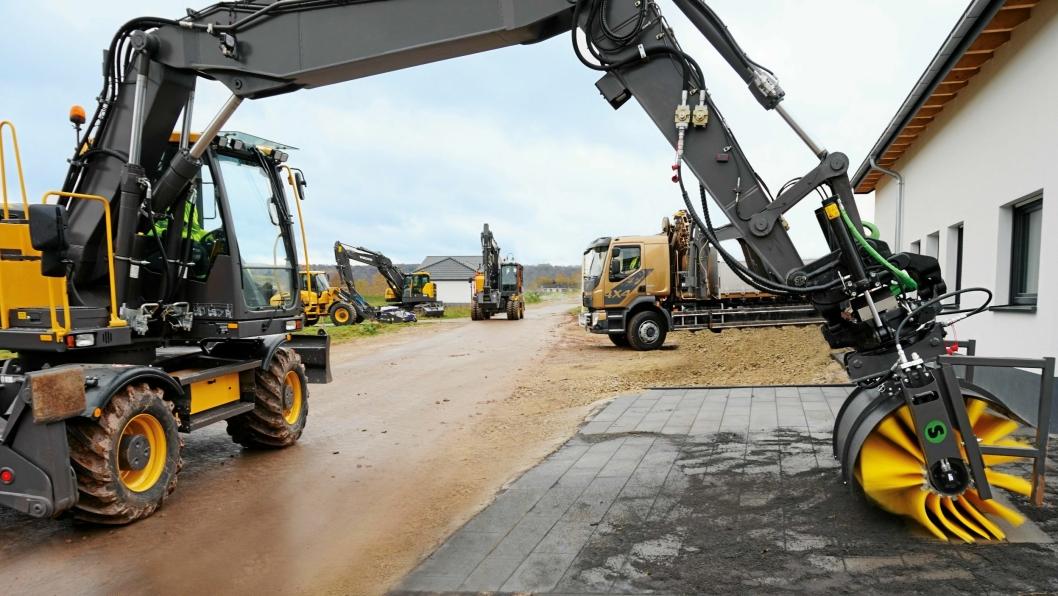 KLART FOR RENHOLD: Steelwrist lanserer en børste for bruk på gravemaskiner.