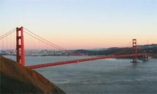 Dersom du blir med på kombinasjonsturen med rundreise i California, vil du blant annet få oppleve Golde Gate-broen i San Fransisco.