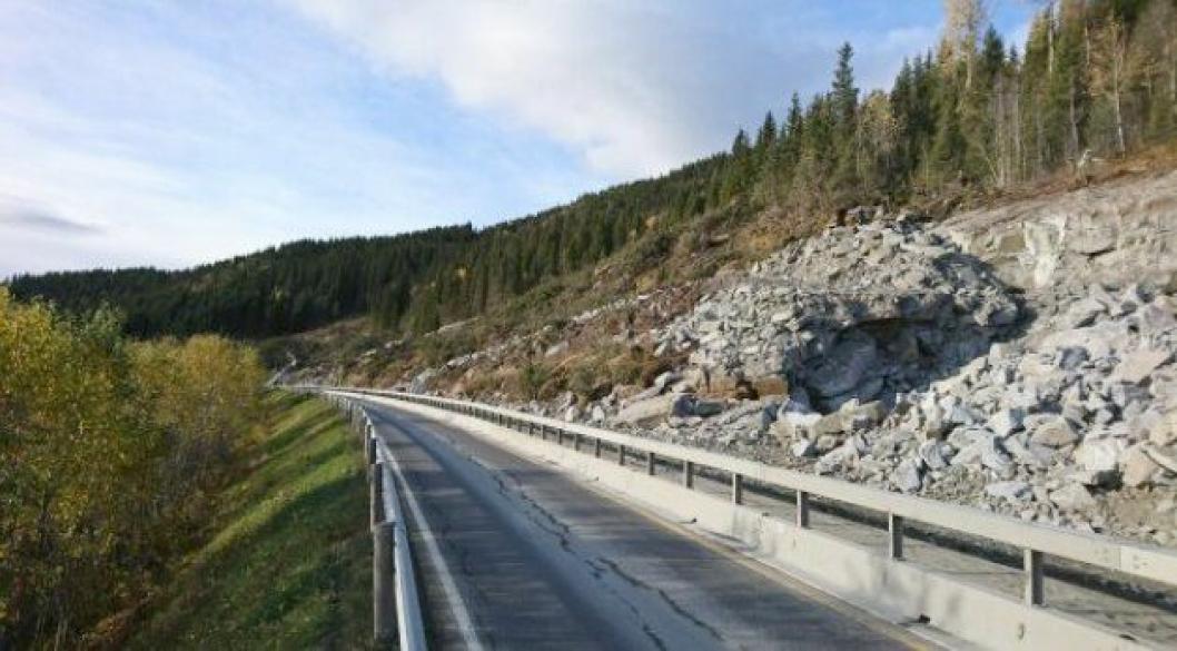 E6 ved Aspnes i Vefsn kommune blir stengt hele døgnet i perioden 17. oktober til 7. november 2017.