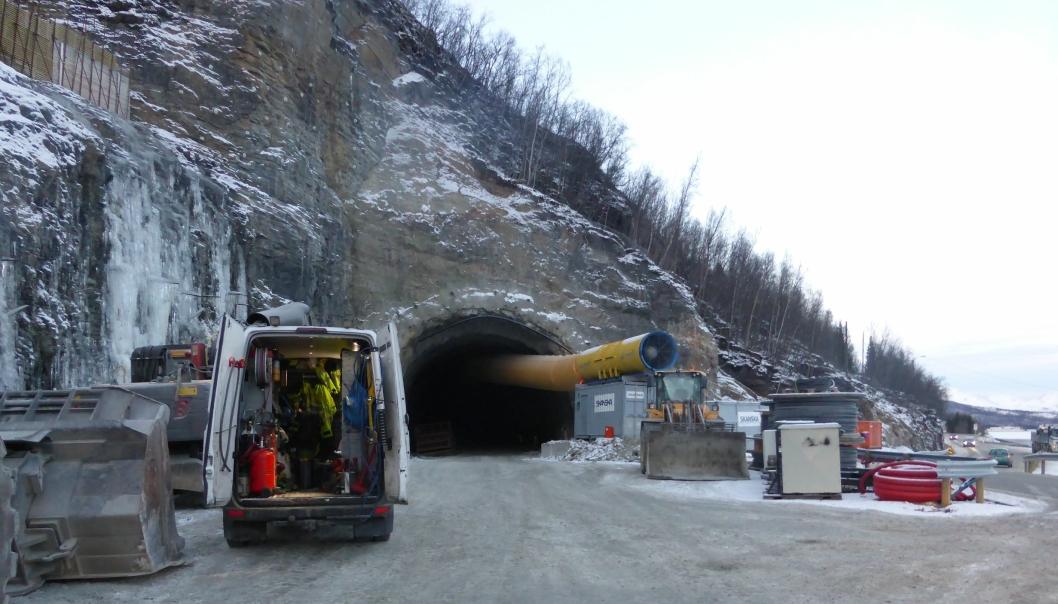 Skanska fikk kontrakten med å fullføre Sørkjostunnelen. Her bilde fra deres anlegg i desember.