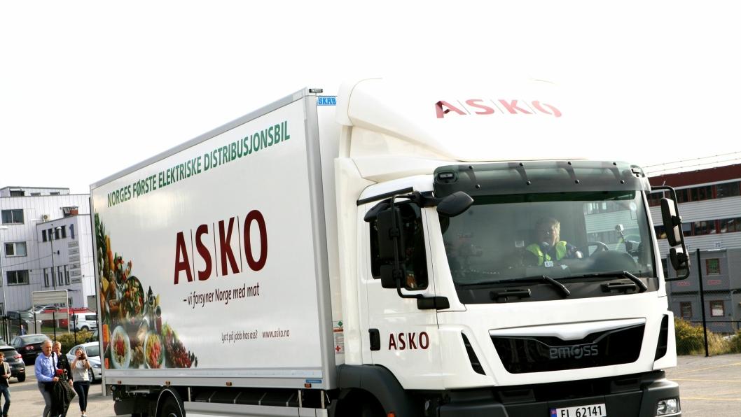 Norges første elektriske distribusjonsbil tilhører Asko. I forbindelse med leveringen av lastebilen, ble den kjørt av statsminister Erna Solberg.
