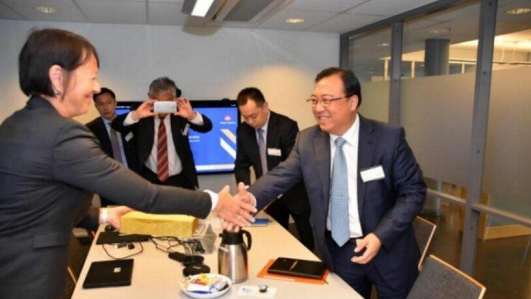 Fungerende vegdirektør Jane Bordal var vertskap for Wang Jingchun og resten av delegasjonen fra det kinesiske selskapet CCCC var i Norge i sommer. Wang er leder for selskapets internasjonale virksomhet.