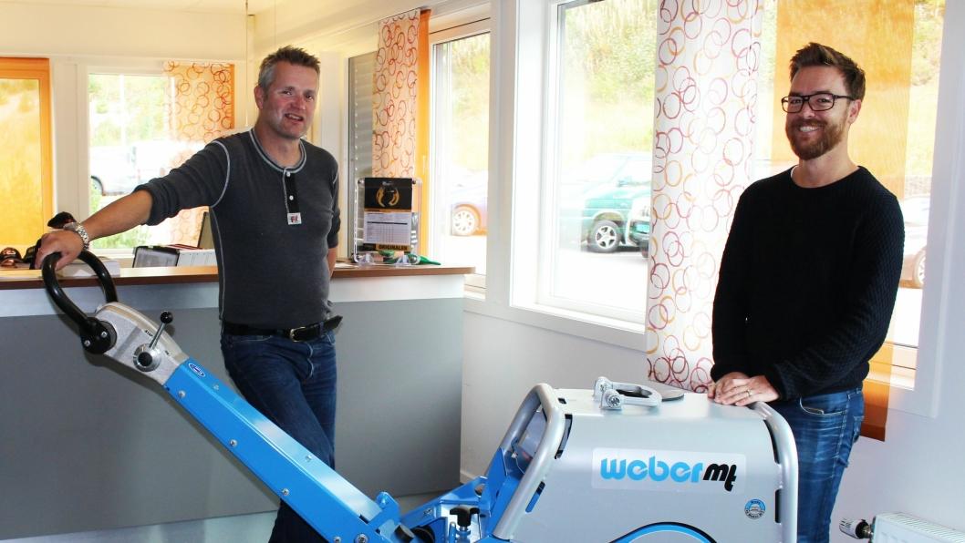 MA-sjef Terje Lastein (t.v) har produktansvaret for Weber i Nasta. Forretningsutvikler Henrik Anholt har bidratt med å lande avtalen med Weber GmbH.