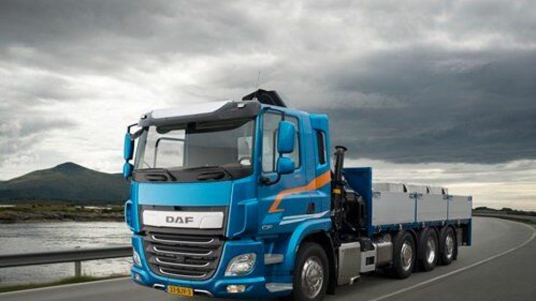 DAF lanserer nå sin nye genrasjon CF og XF med tre og flere akslinger.
