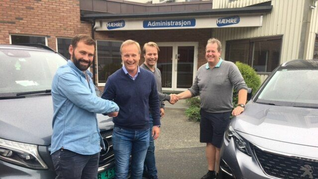 Fra venstre: Lars Hæhre fra Hæhre, Morten Leonsen og Rune Engebretsgård fra Hallingdal Bilsenter og Roger Kjenås fra Isachsen.