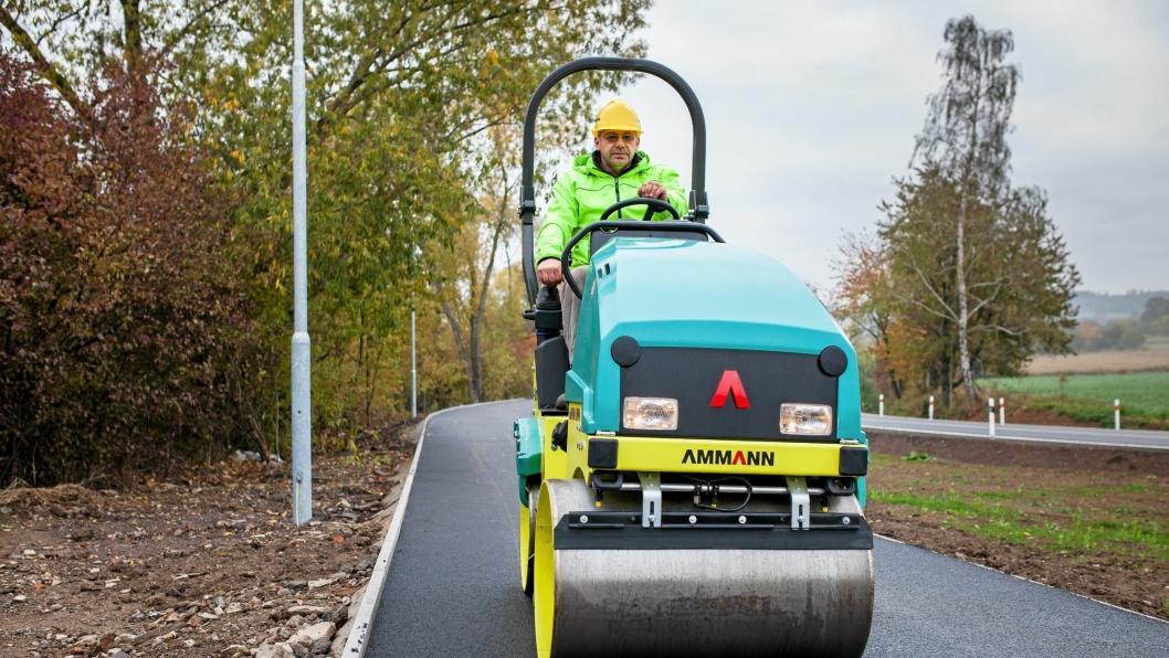 ASFALTKOMPRIMERING: Ammann ARX-maskinene er til komprimering av asfalt.