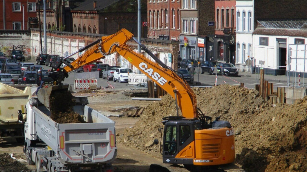 Den nye Case CX245D SR er allerede satt i arbeid av entreprenør Terrassement Berge som holder til ved Liege i Belgia.