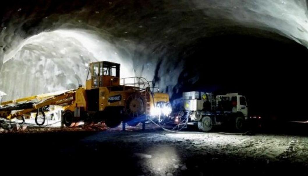 Snunisje inne i Tjernfjelltunnelen.