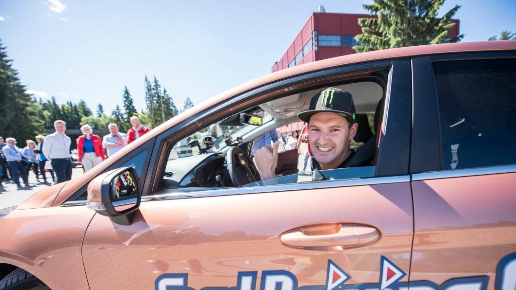 Ford Motor Norge og If lanserer et opplæringsprogram - Ford Driving Skills for Life - for ungdom i alderen 18 - 24 år. Rallycrossfører Andreas Bakkerud er ambassadør for programmet i Norge.