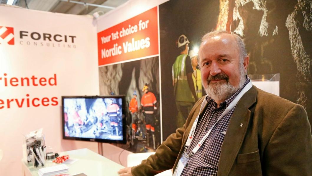 STOR AVTALE: Tarald Husaas i Forcit Norge på standen på World Tunnel Congress i Bergen.