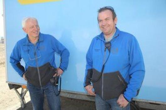 Jan Haugerud (t.v.) og Lars Dahle i Volvo Maskin har brukt to uker på å legge grunnforholdene til rette for Volvo Anleggsdager 2017.