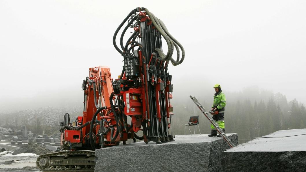 Boreapplikasjonen Sandvik DQ440ZR (40 tonn) med NRR-systemet er montert på en Hitachi ZX350LC-5B