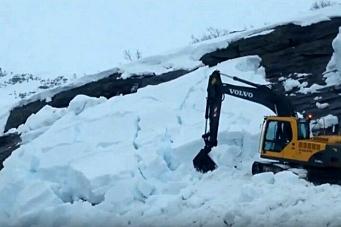 Her løsner 200 kubikkmeter snø
