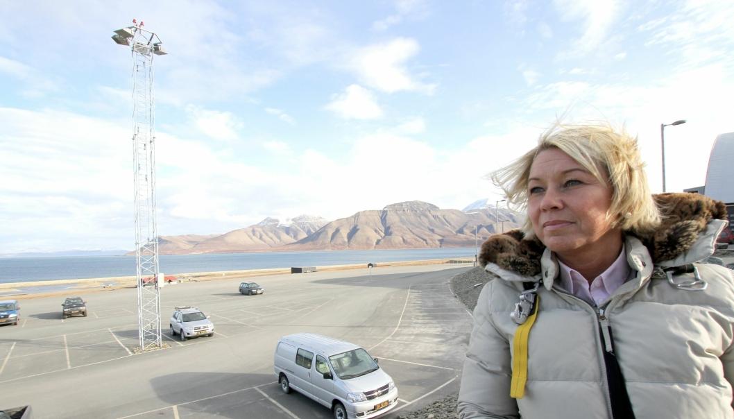 Næringsminister Monica Mæland (H) er fornøyd med oppkjøpet av den store eiendommen på Svalbard. Her er hun avbildet under et besøk på Svalbard.