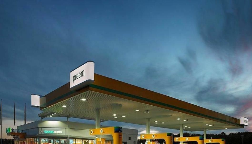 Den svenske drivstoffkjempen Preem tar ansvar for tung- og næringstransporten og etablerer seg i Norge.