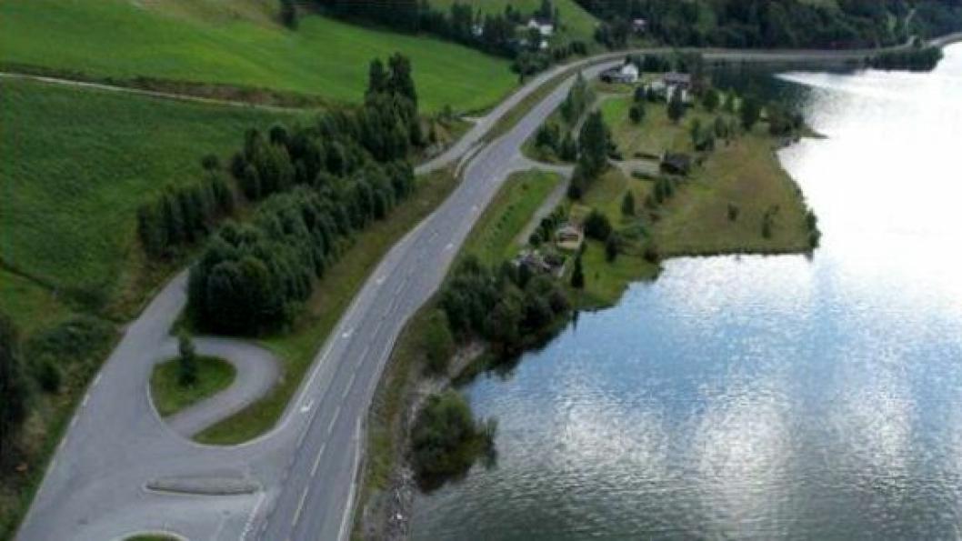 Krekke rasteplass blir liggende mellom E6 og innsjøen Losna. Den skal blir stoppested for lette kjøretøy og turbusser.