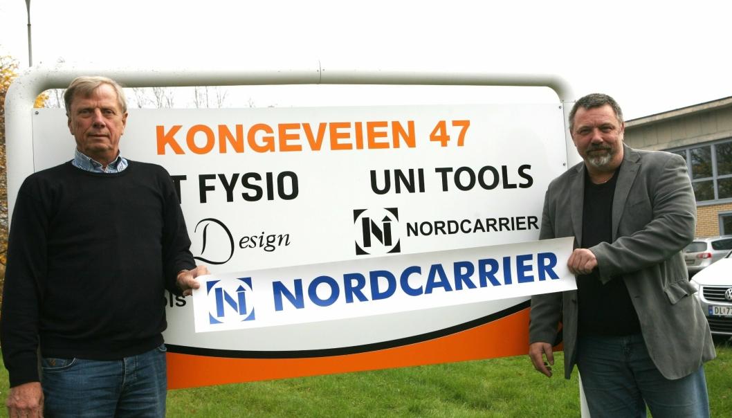Kompanjongene Knud-Aage Sørensen (t.v.) og Steen Brændstrup Jensen har kjempet sammen om Nordcarriers eksistens i flere ti-år. Nå er en epoke over i Kongeveien 47 på Sofiemyr.