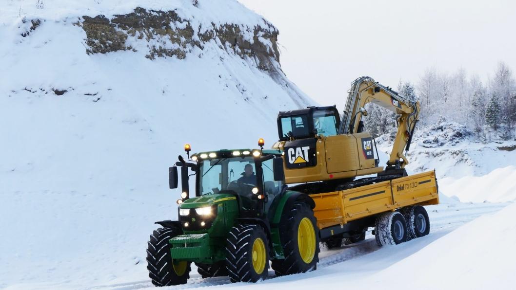 Felleskjøpet Agri SA skal selge og ha service på Cat kompaktmaskiner via et samarbeid med Pon Equipment AS. Pon skal selge Cats produkter slik de har gjort til nå. Pon skal ikke selge Felleskjøpets produkter, men henvise til sin samarbeidspartner når Pons kunder ønsker f.eks. å kjøpe traktor.