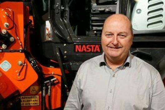 SPENNENDE: Adm. direktør Tom Johansen sier Nasta AS vurderer å registrere eget varemerke på de elektriske maskinene de har bygget ved spesialavdelingen i Larvik.