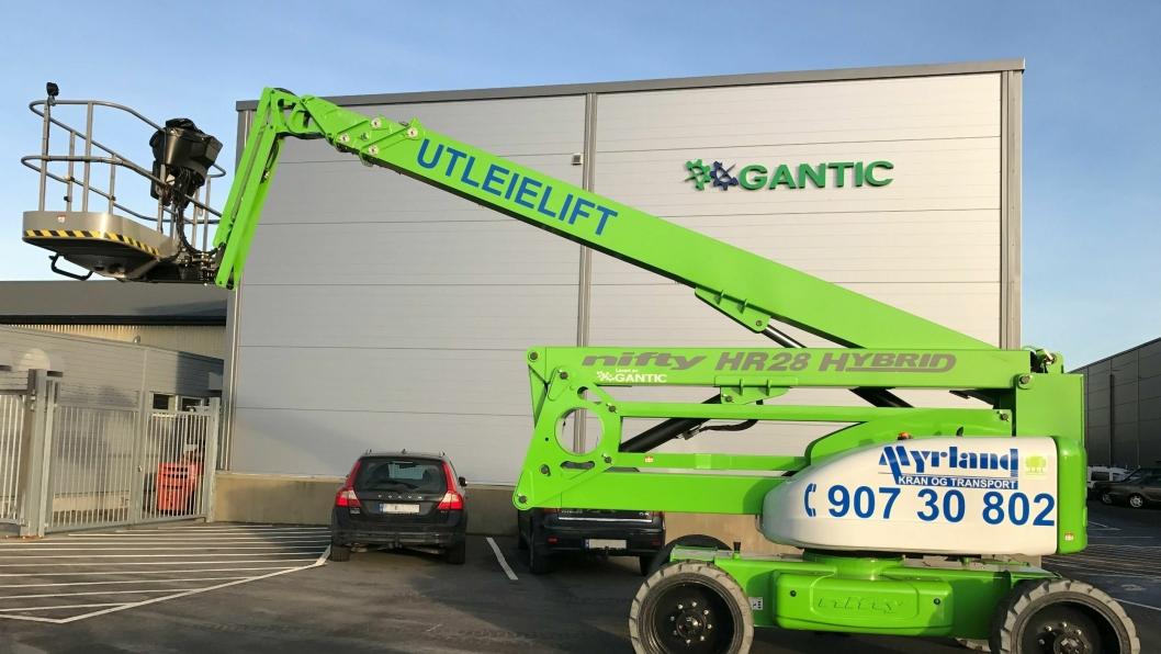 STØRST: Ifølge Gantic AS er den nye liften til  Myrland Kran den største hybriden på  det norske markedet.
