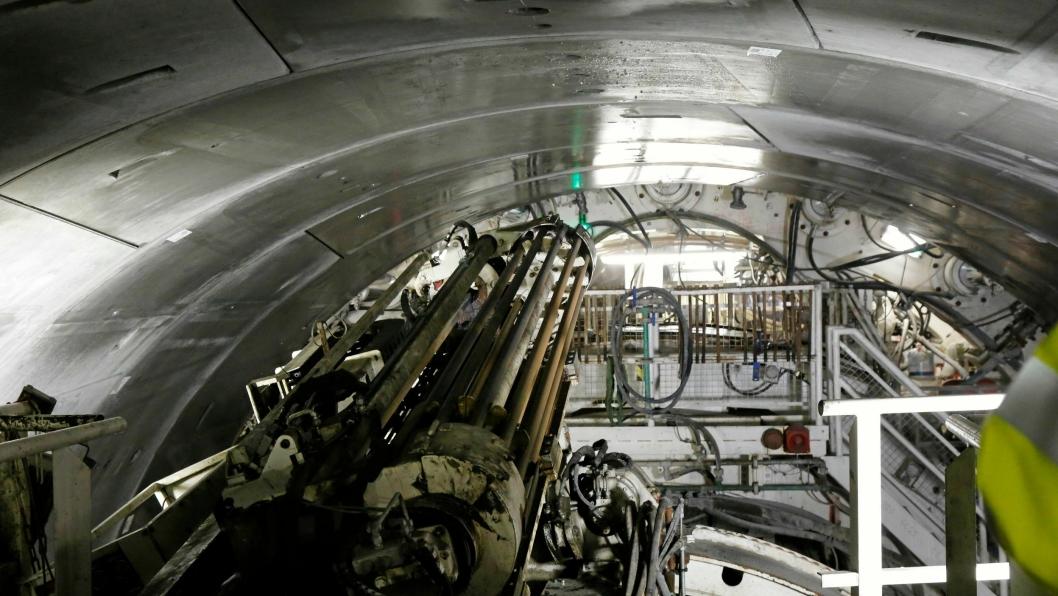 BOREUTSTYR: Det ekstra boreutstyret benyttes til sonderboring for å kartlegge sprekker som kommer foran TBM-maskinen.