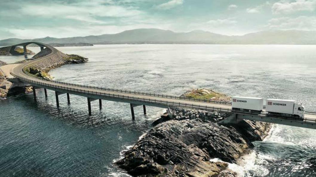 DB Schenker er et av verdens ledende logistikk- og transportselskaper til vanns, til lands og i luften.