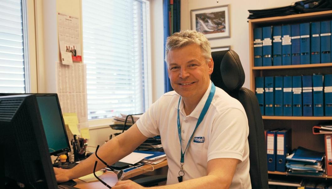 Daglig leder Frank Ole Sørensen i Hæhre Maskinutleie bedrer sikkerheten for maskinførerne.