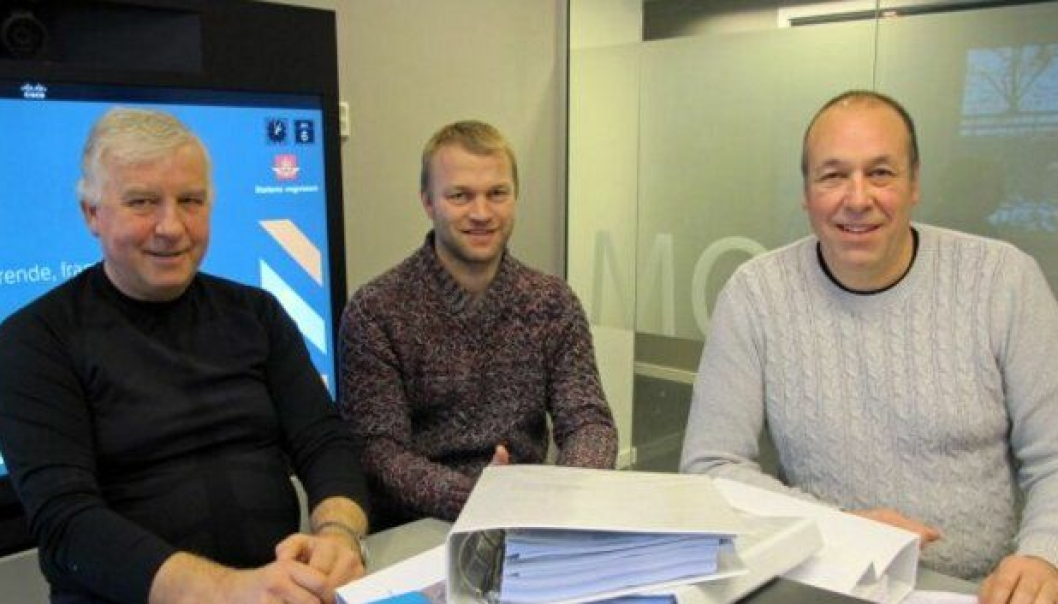 Disse skal nå kontrollregne tilbudene som har kommet inn; f.v. byggeleder Jan Bjarne Thorsnes, ass.prosjektleder Ole Martin Lilleby og prosjektleder Svein Reidar Dale.
