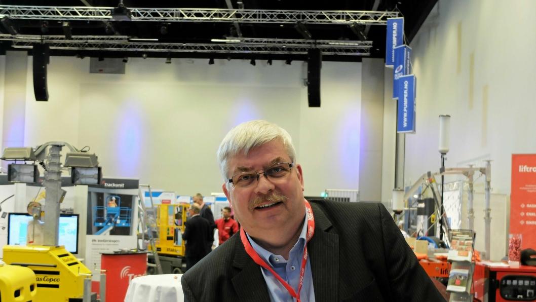 INVITERER TIL UTLEIEFEST: Styreleder Jan Aasekjær i Norsk Utleieforening gleder seg over å kunne invitere til nok en Utleiekonferanse. Denne gangen på kongresshotellet Thon Hotel Oslo Airport på Gardermoen.