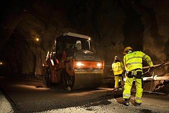 Legger 22.000 tonn asfalt midtvinters