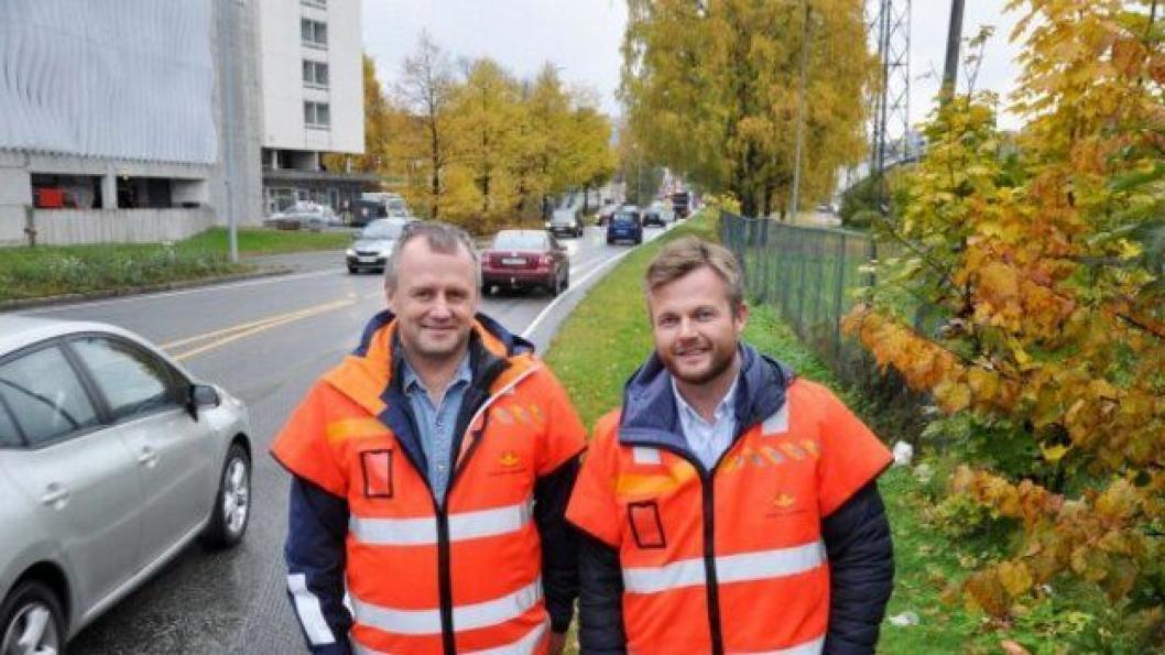 Prosjektleder Tom Hedalen (t.v.) og byggeleder Thomas Holst er tilfreds med tilbudene.