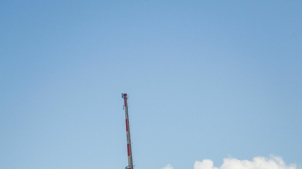 Oljeserviceselskapet Aibel, som er mest kjent for offshorevirksomhet, har alliert seg med et stort irsk entreprenørselskap og er prekvalifisert for å bygge E6 i Hamar og Stange. På bildet fraktes en transformator-plattform i regi av Aibel og ABB ut i Nordsjøen i 2014.