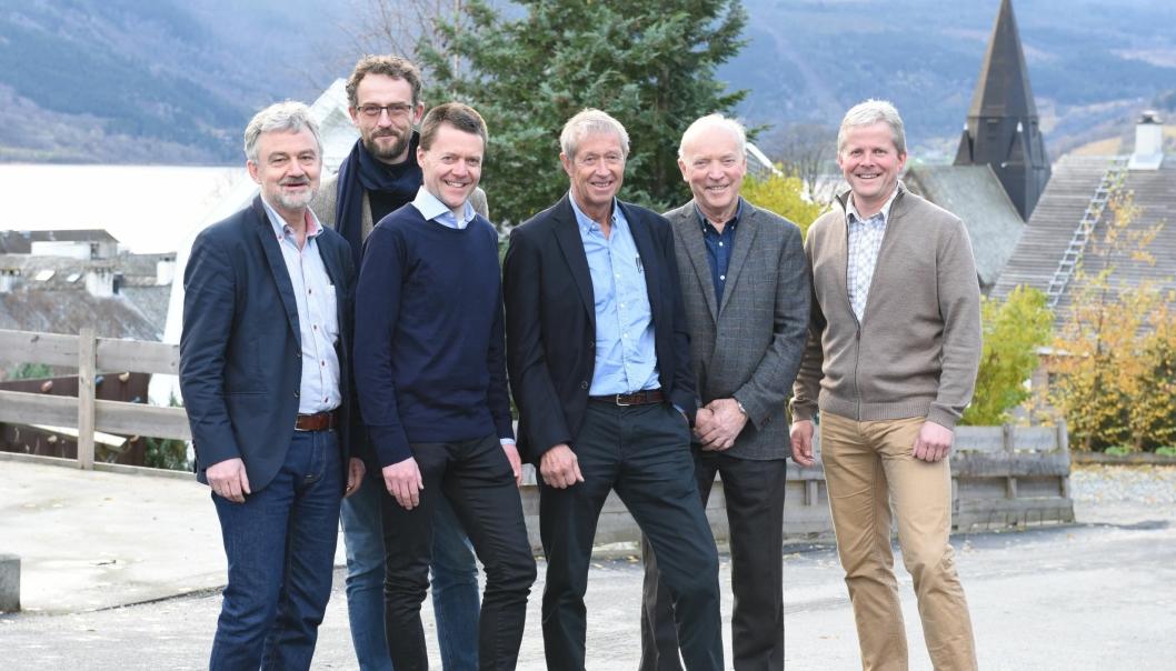 Norconsult åpner nytt kontor på Voss. Avbildet fra venstre: Jens Kvarekvål (regiondirektør), Eivind Kildal (avdelingsleder), Inge Hommedal (akustiker), Lars Anda (arkitekt), Styrk Hirth (arkitekt) og Endre Lægreid (kontorleder).