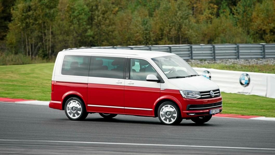 Forrige års vinner av tittelen Van of the year, Volkswagen Transport T6, under prøvekjøring på Rudskogen. På IAA i september 2016 kåres Van of the year 2017. Se kandidatene under.