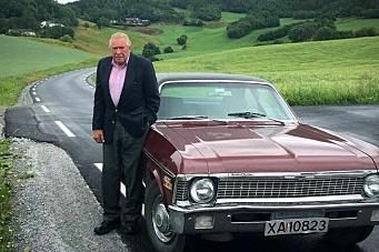 Kristian (91)  betalte fylkesvei-asfaltering