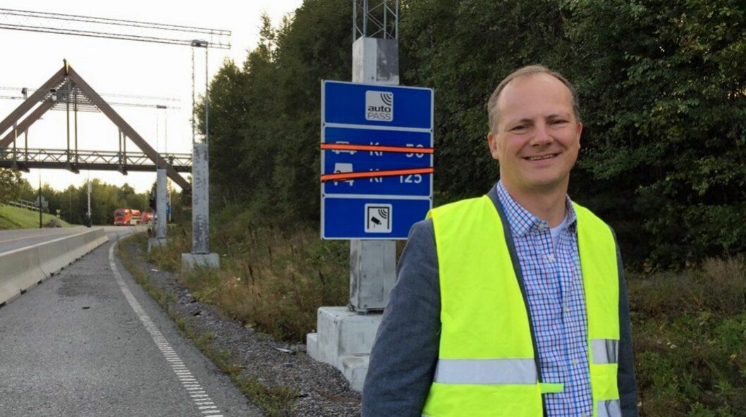 Ketil Solvik-Olsen var på plass for å markere at det etter 16 år nå er slutt på bomoenger ved passering av Oslofjordtunnelen.