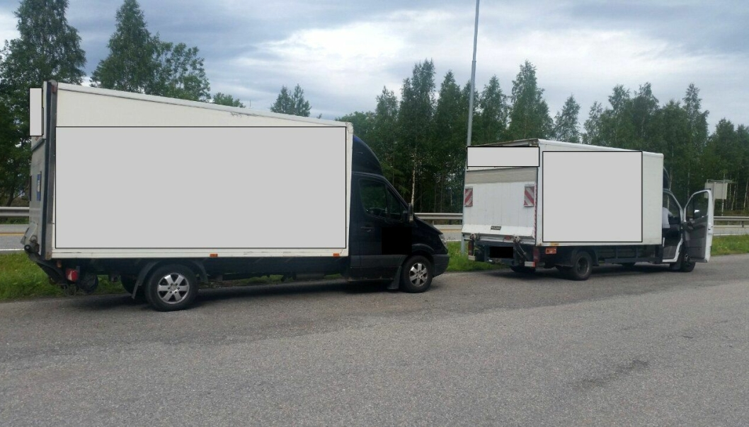 To norskregistrerte varebiler ble kjørt med overlast da de ble kontrollveid på E16 Sollihøgda.