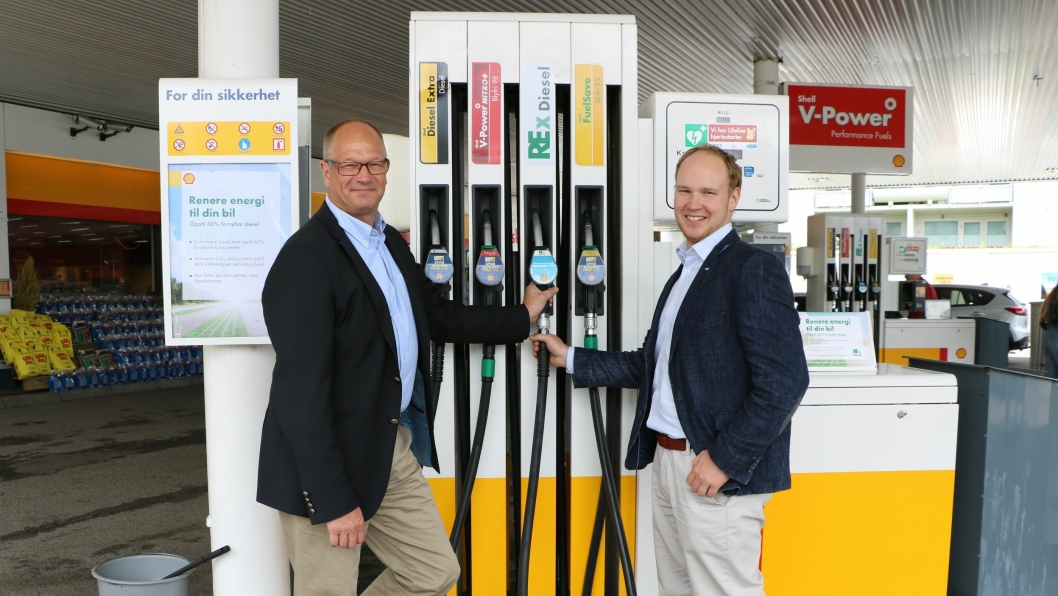 LOVENDE: Mika Wiljanen (Smart Fuel/St1) og Kåre Gunnar Fløystad (ZERO) ser frem til testperioden av Rex diesel.