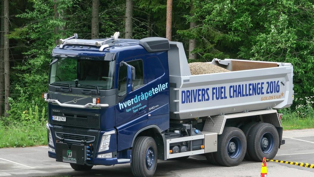 Konkurransebilen var en Volvo FH 540 tippbil lastet til 26 tonn.