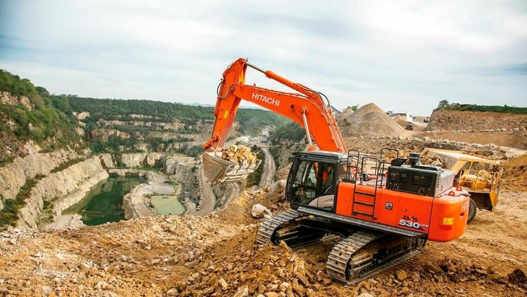 NY: Nok en ny 6-generasjonsgraver fra Hitachi, 55-tonneren ZX530LCH-5.