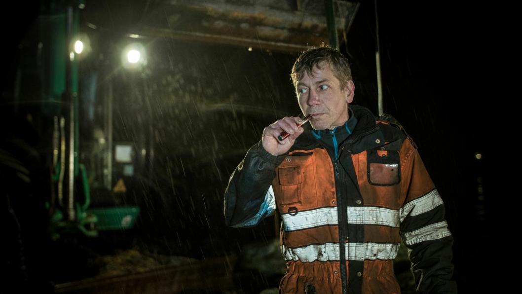 Odda: Tor Steinar Tveit er svogeren til Thord, og elsker bilberging. Tor Steinar er lett å få øye på da e-sigaretten alltid er med.