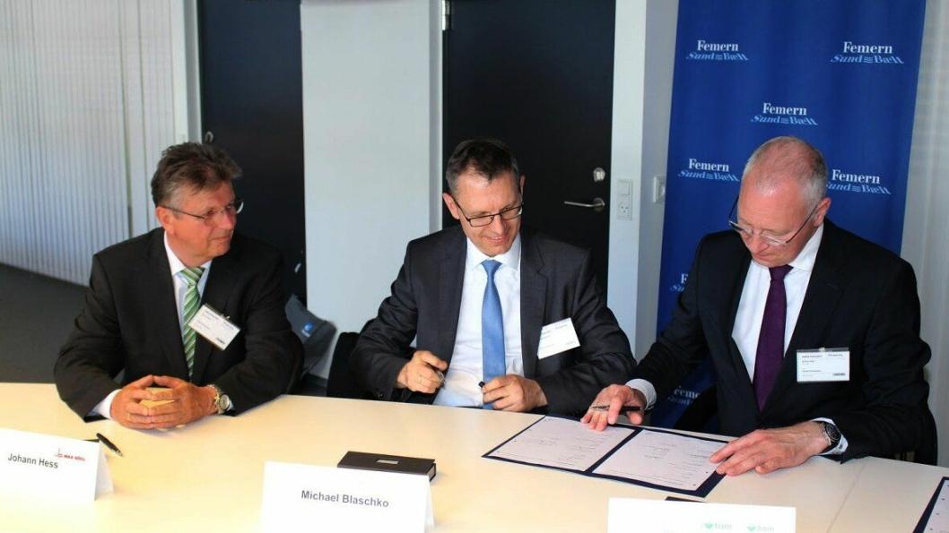Tre av de mange lederne som satte navnet sitt på kontraktene som ble underskrevet 30. mai 2016 til en samlet verdi på ca. 30 milliarder danske kroner.