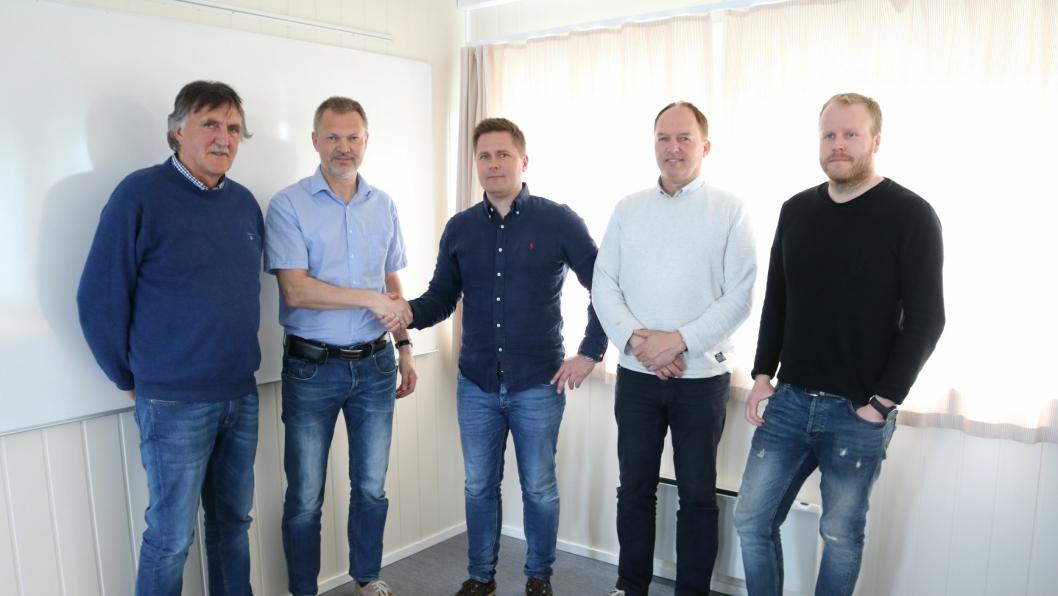 F.v.: Tor Inge Unhjem (byggeleder SVV), Halgeir Brudeseth (prosjektleder SVV), Rolf Anders Åberg (Busengdal, daglig leder), Bjørn Busengdal (Busengdal, prosjektleder), Roar Eikebø (Busengdal, anleggsleder).