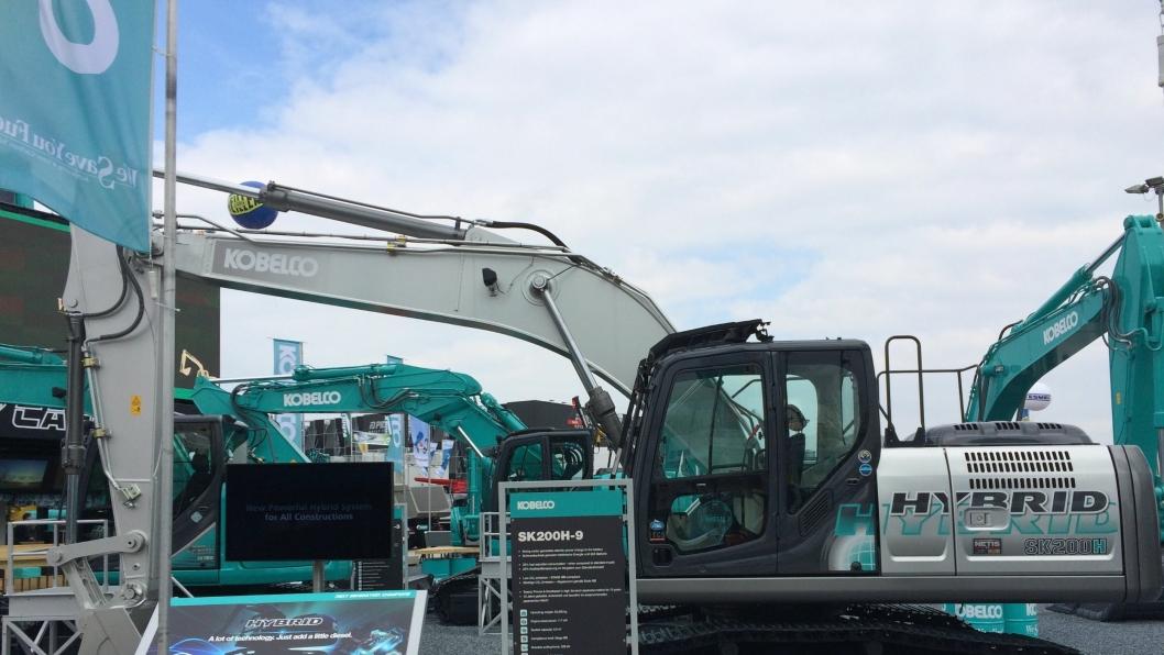 HYBRID: Dette er blant de store nyhetene til Kobelco, 20-tonneren SK200H-10.